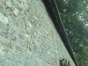 os dans le mur