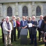 inauguration de la plaque Dumas près de l'église Saint-Aubin de Neuville-les-Dieppe (1)